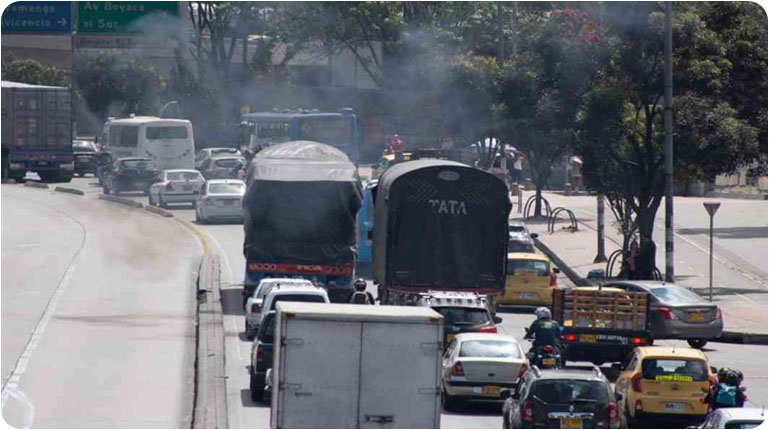 Paro de transportadores de vehículos de carga se levanta